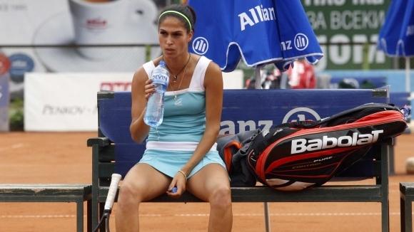 Българката Изабелла Шиникова отпадна в първия кръг на двойки на