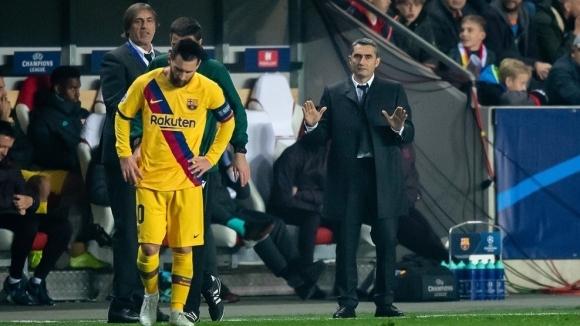 Треньорът на Барселона Ернесто Валверде не бе изключително щастлив след
