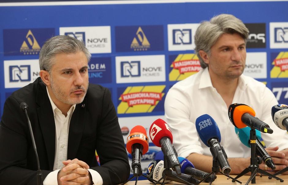 Левски няма да предложи нови договори на всички играчи, чиито