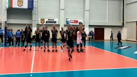 Волейболистите на Марек Юнион-Ивкони (Дупница) надиграха без проблеми у дома