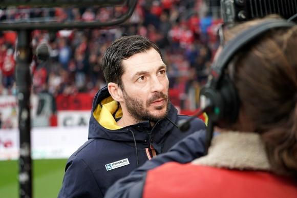 Германският клуб Майнц 05 се раздели със старши треньора си