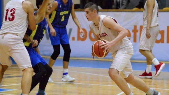 Роденият през 2002 г. юношески национал Васил Попов ще помни