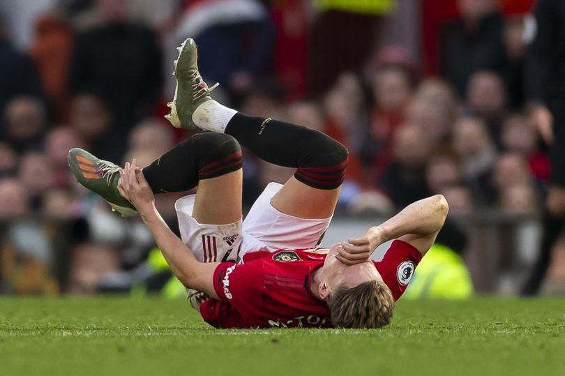 Халфът на Манчестър Юнайтед Скот Мактоминей е с контузия в