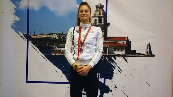 Емма Нейкова се класира трета на сабя в индивидуалната надпревара