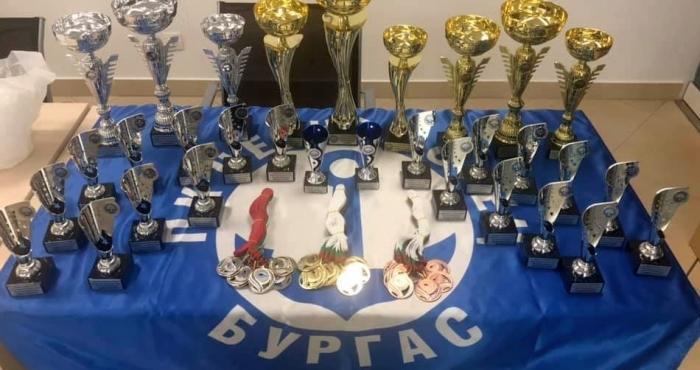 Черноморец спечели петото издание на турнира по плуване за ветерани