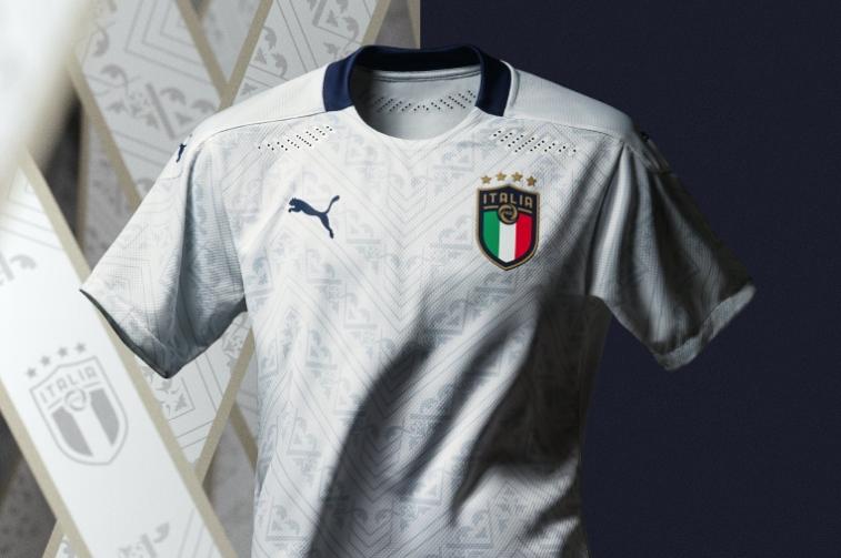 Италианският национален тим се сдоби с нов бял екип, който