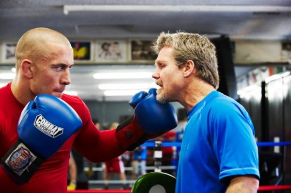 Прочутият боксов треньор Фреди Роуч даде интересна прогноза за потенциален