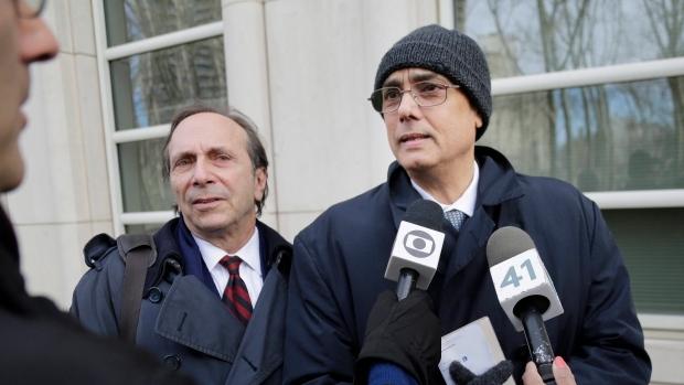 ФИФА отстрани доживотно от футбола Мануел Бурга, който бе обвиняван