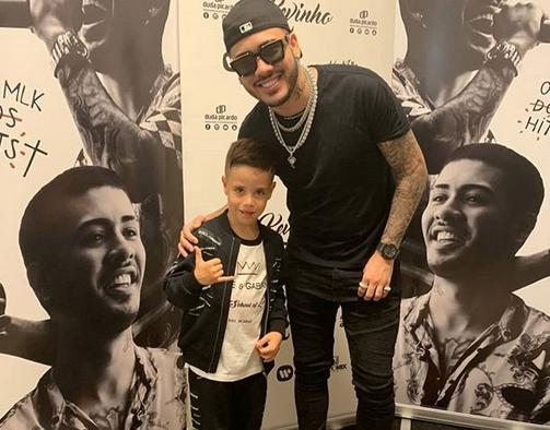 Португалският футболен магьосник Рикардо Куарешма записа седемгодишния си син, който