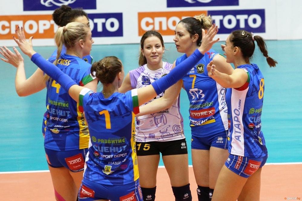 Шампионките от Марица (Пловдив) надиграха домакините от Славия с3:0 (25:14,