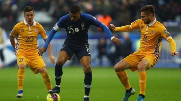 Националният отбор на Франция постигна очаквана победа с 2:1 над
