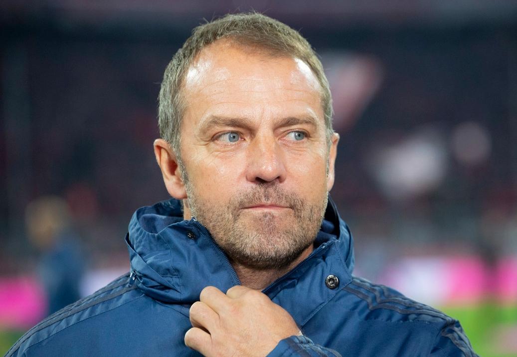 Временният треньор на Байерн (Мюнхен) Ханзи Флик ще остане на