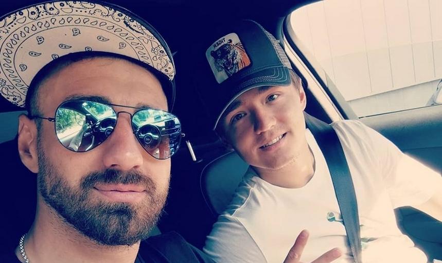 Разжалваният капитан на ЦСКА-София Николай Бодуров разпусна в популярен клуб