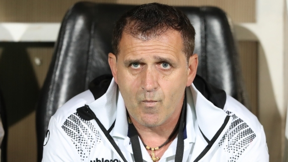 Треньорът на Локомотив (Пловдив) Бруно Акрапович е претърпял планирана операция