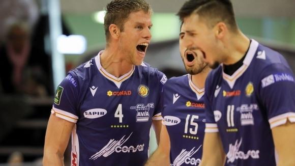 Волейболният национал Алекс Грозданов и неговият Конзар (Равена) постигнаха едва