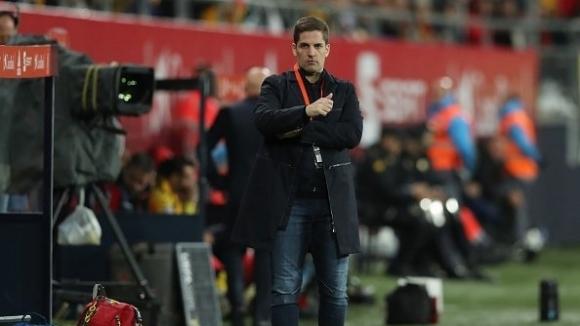 Доскорошният селекционер на Испания Роберт Морено си тръгва през задната