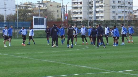 Отборът на Левски продължава с подготовката си за мача с