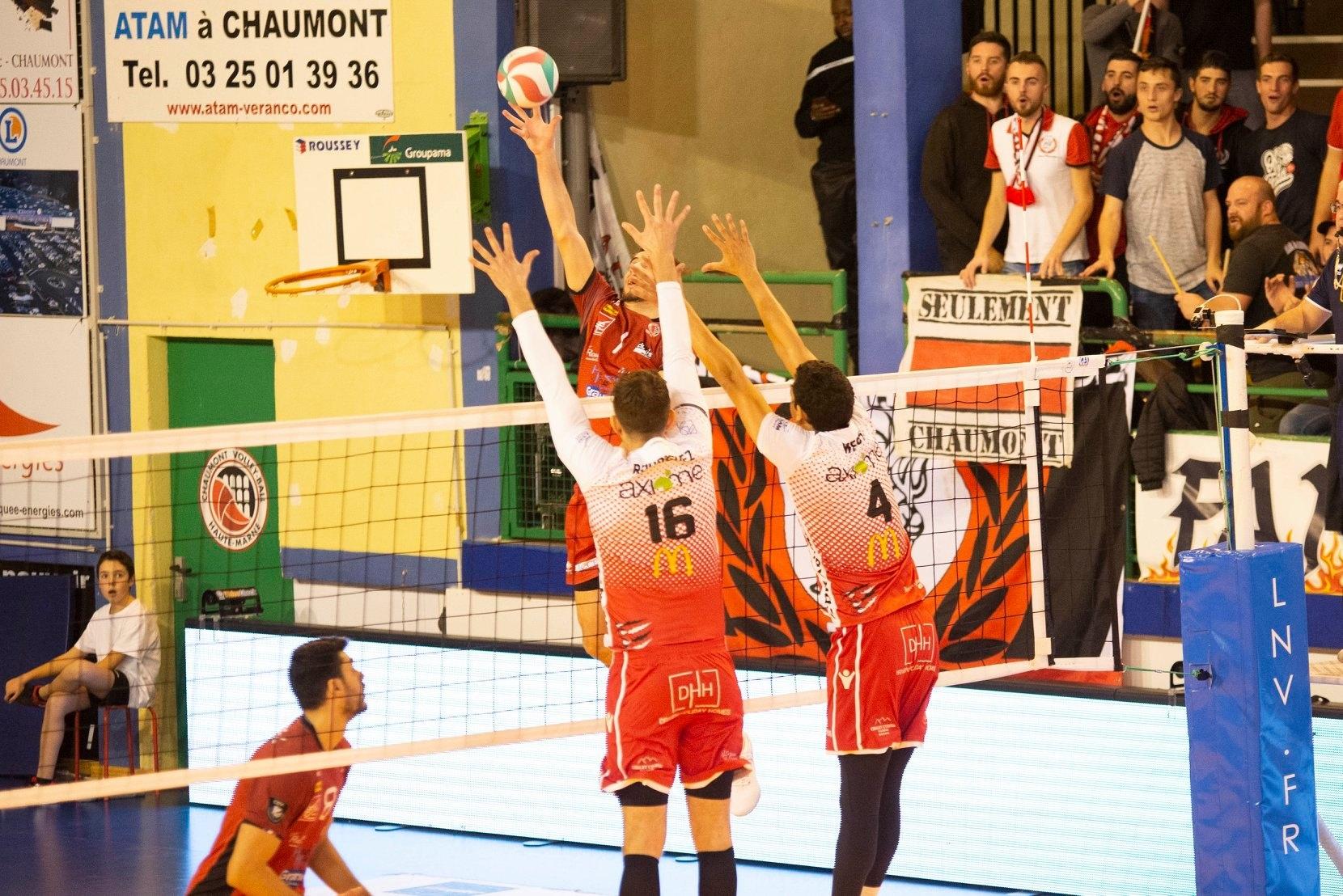 Волейболният национал Мартин Атанасов и неговият Шомон записаха 4-а победа