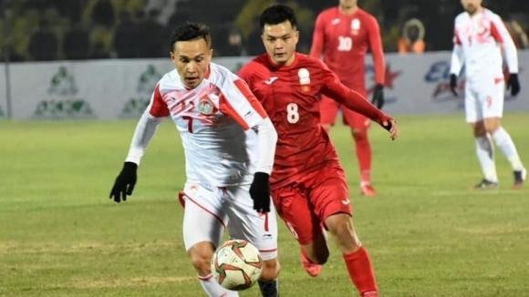 Футболистът на Локомотив (Пловдив) Парвизджон Умарбаев бе заменен в 90-ата