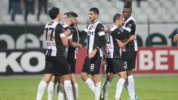 Защитникът на Локомотив (Пловдив) Стивън Езе няма да играе в
