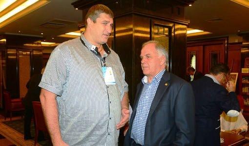 Сегашният вицепрезидент на волейболната федерация Любо Ганев ще е кандидатурата
