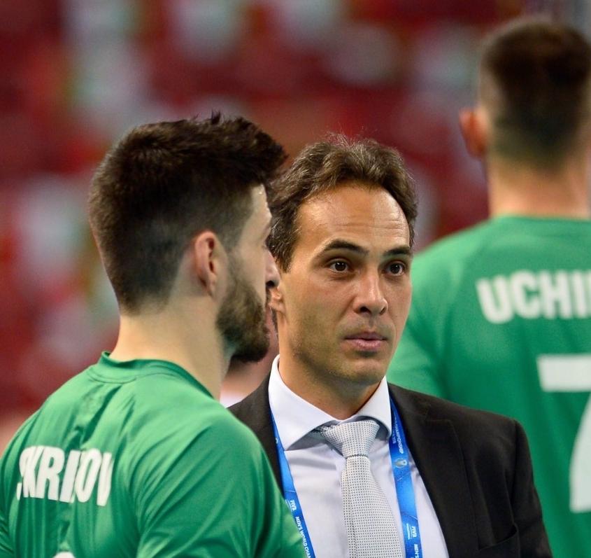 До преди няколко дни Стефан Чолаков бе мениджър на мъжкия