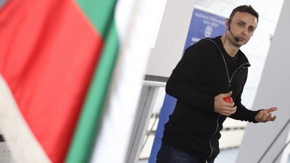 Димитър Бербатов даде интервю за списание СПРИНТ, в което засегна