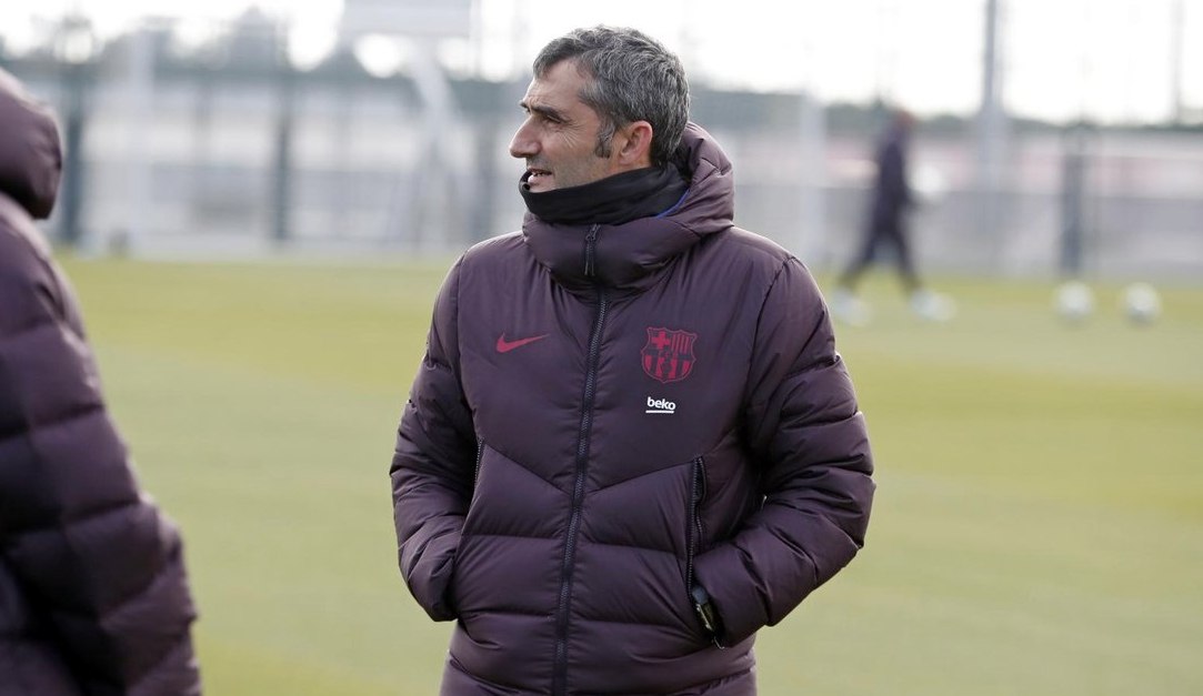 Треньорът на Барселона Ернесто Валверде се опитва да не се