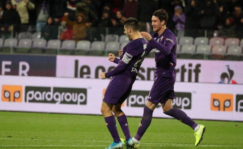 С два гола на Марко Бенаси Фиорентина победи с 2:0