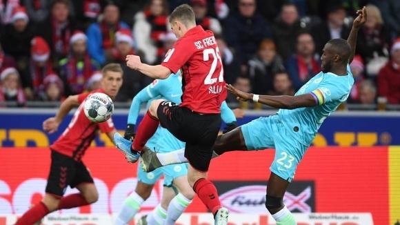 "Фрайбург спечели трудно домакинството си на Волфсбург на ""Шварцвалд Щадион"""