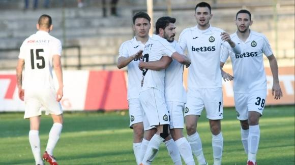 Отборите на Ботев (Враца) и Славия играят при резултат 0:1