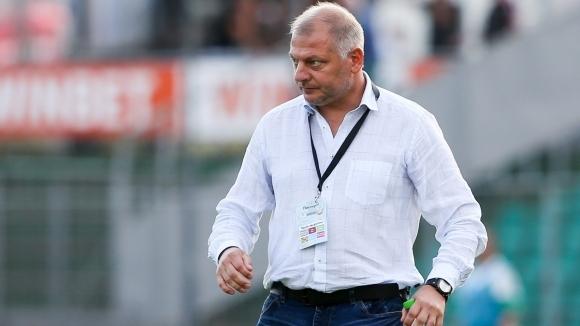 Новият старши треньор на Етър (Велико Търново) Петко Петков беше