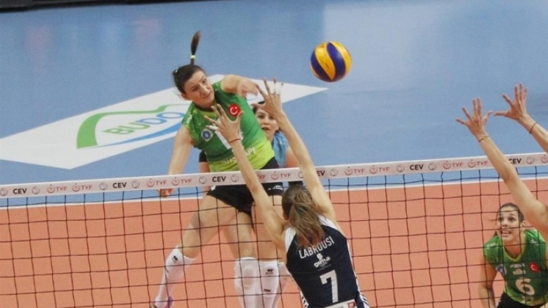 Националката Емилия Димитрова се подготвя да се завърне на терена