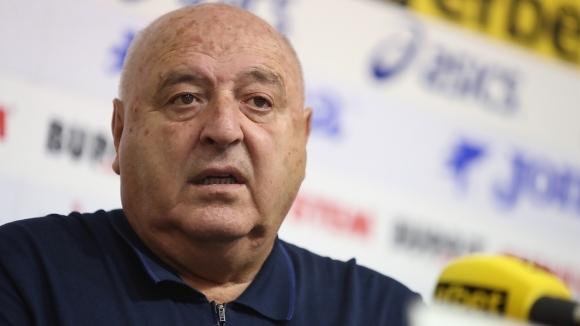 Снимка: Венци Стефанов твърдо против ВАР, призна за голям конфликт около националния тим