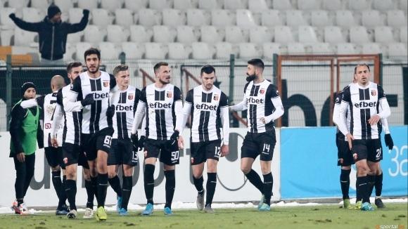 Представителният отбор на Локомотив (Пловдив) приема Левски (София) в мач