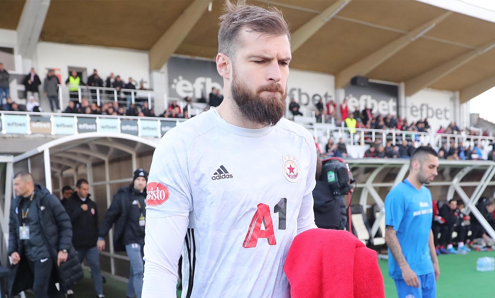 ЦСКА-София ще удължи договора на вратаря Густаво Бусато през зимата.