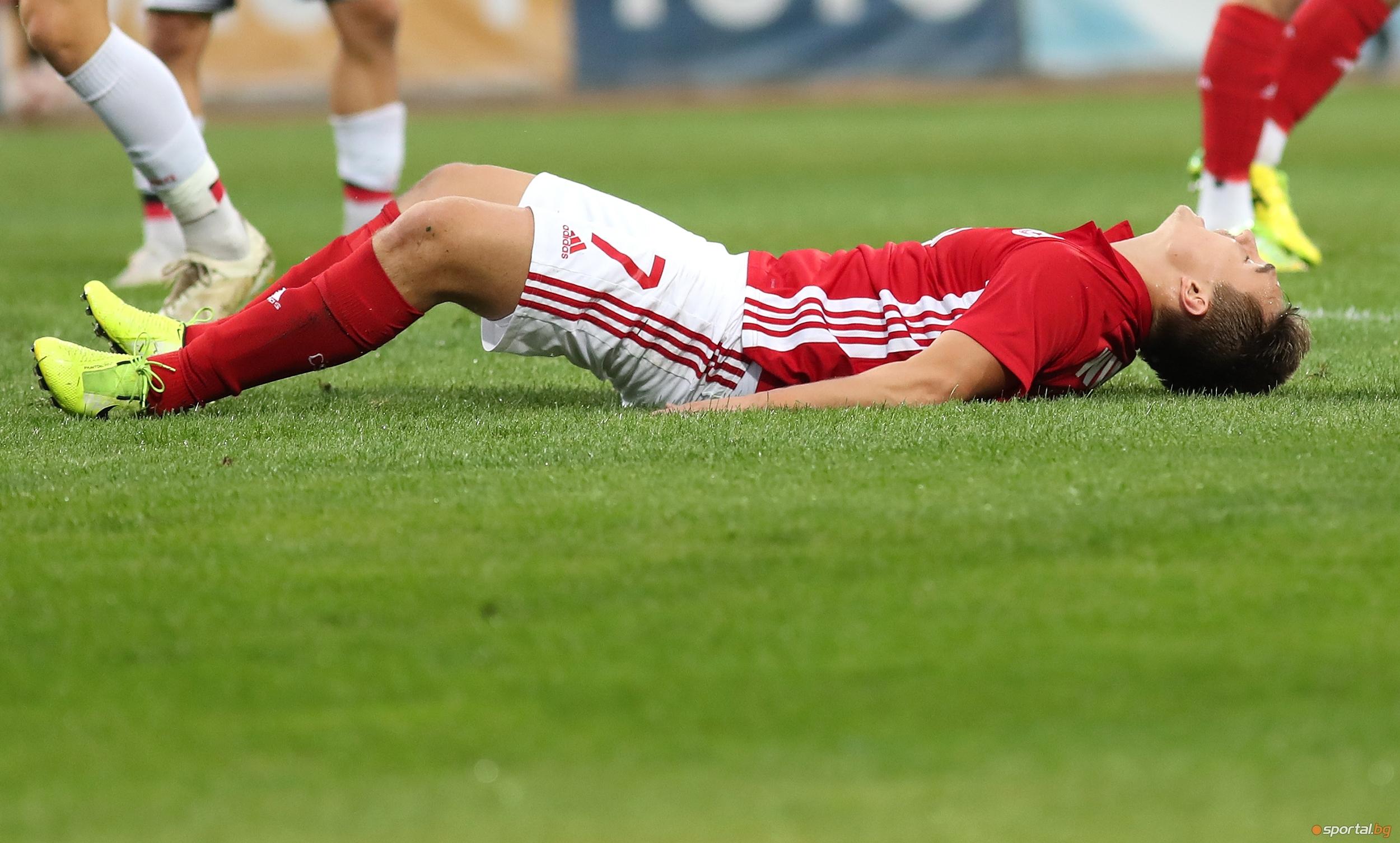 Руснакът Денис Давидов е на път да напусне ЦСКА-София през