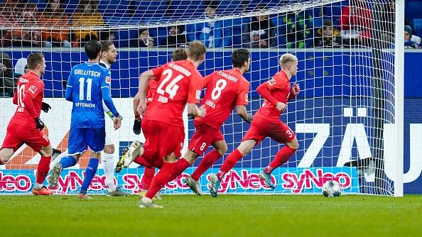 В началото на сезона Аугсбург се представяше изключително колебливо, но