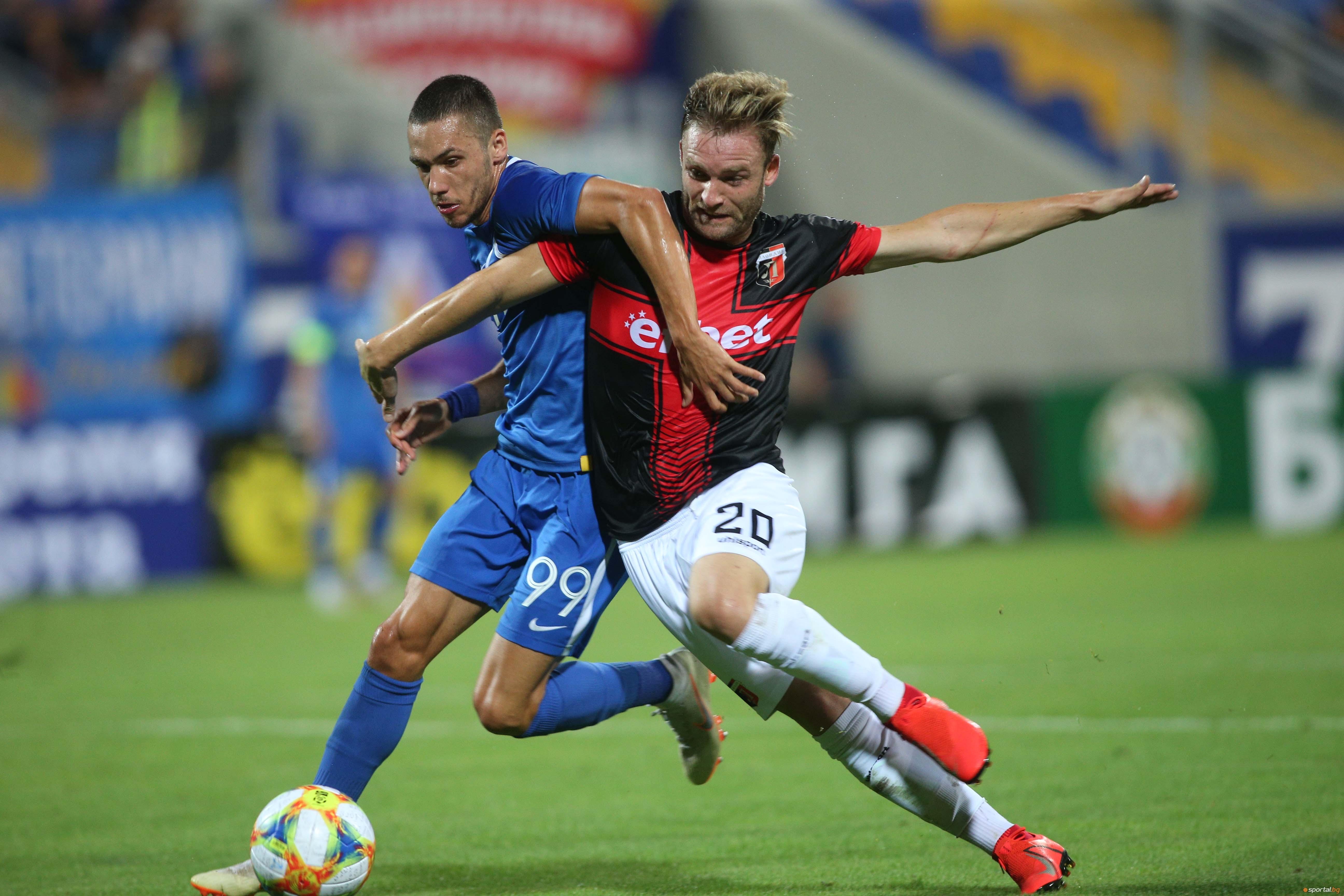 Локомотив Пловдив и Левски се изправят днес от 14,15 часа