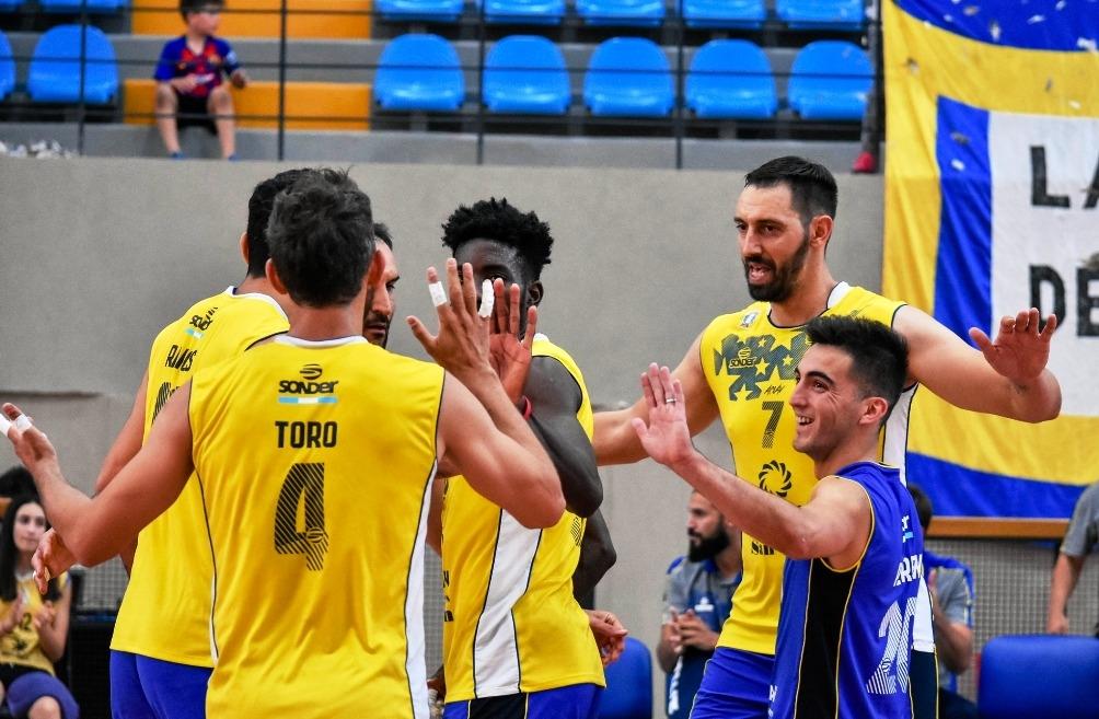 Волейболният национал Николай Учиков и неговият UPCN (Сан Хуан) стартираха