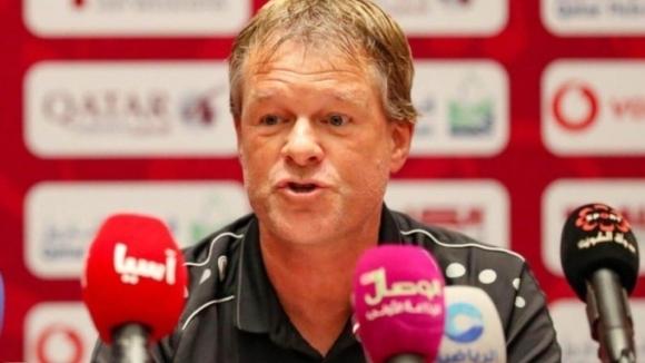 Холандецът Ервин Куман бе уволнен като селекционер на Оман, съобщиха
