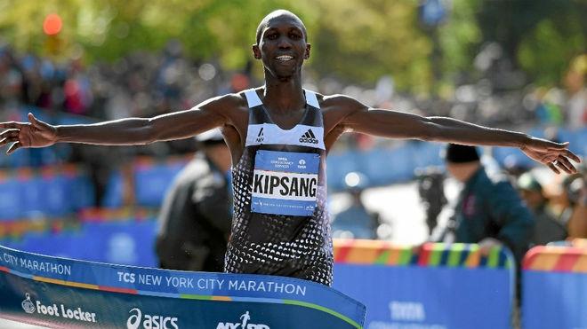 Двукратният победител от маратона на Лондон Уилсън Кипсанг е със