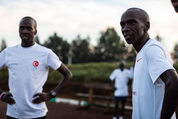 Световният рекордьор в маратона Елиуд Кипчоге заяви, че се цели