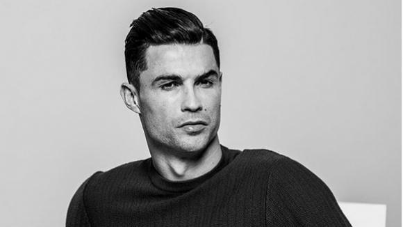 Кристиано Роналдо продължава да бъде най-популярният футболист в Китай, а