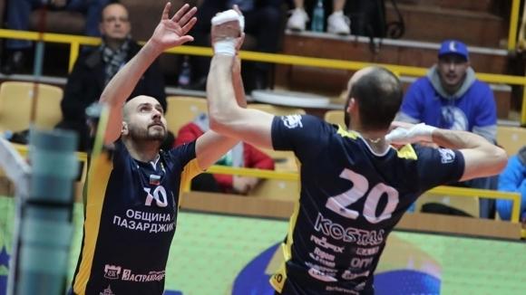Центърът и ново попълнение на волейболният Хебър (Пазарджик) Теодор Тодоров