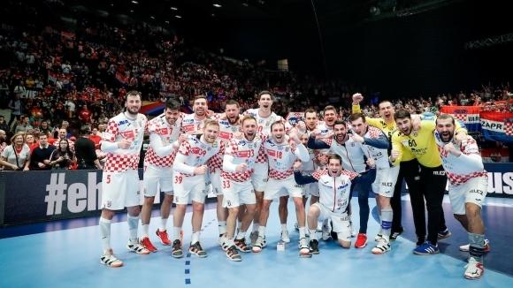 Хърватия стана първият отбор, който и на теория си гарантира