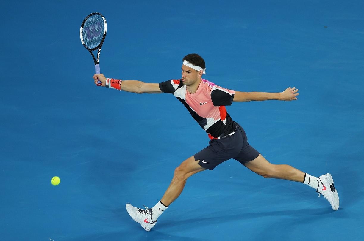 Най-добрият български тенисист Григор Димитров падна с една позиция и
