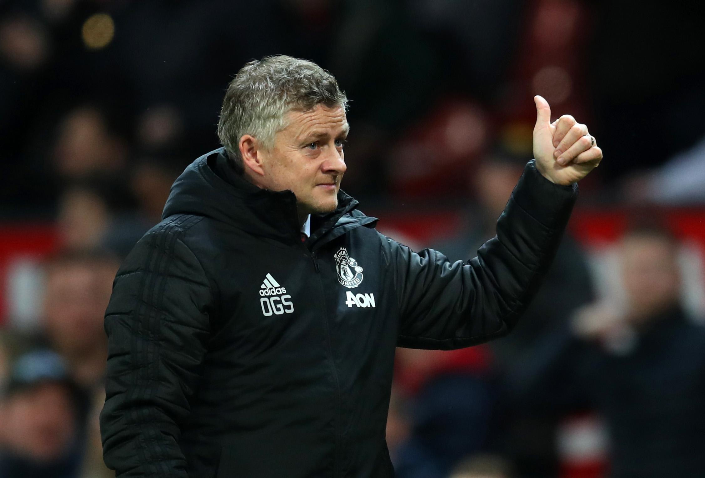 Критикуваният от голяма част от феновете на Манчестър Юнайтед мениджър