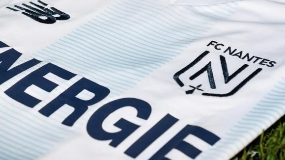 Френският клуб Нант ще отдаде почит на покойния аржентински играч