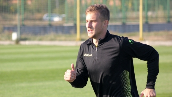 Ботев (Пловдив) се раздели с полузащитника Марко Перван. Двете страни